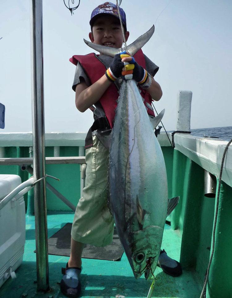 小学3年生が釣った11kgイソマグロ
