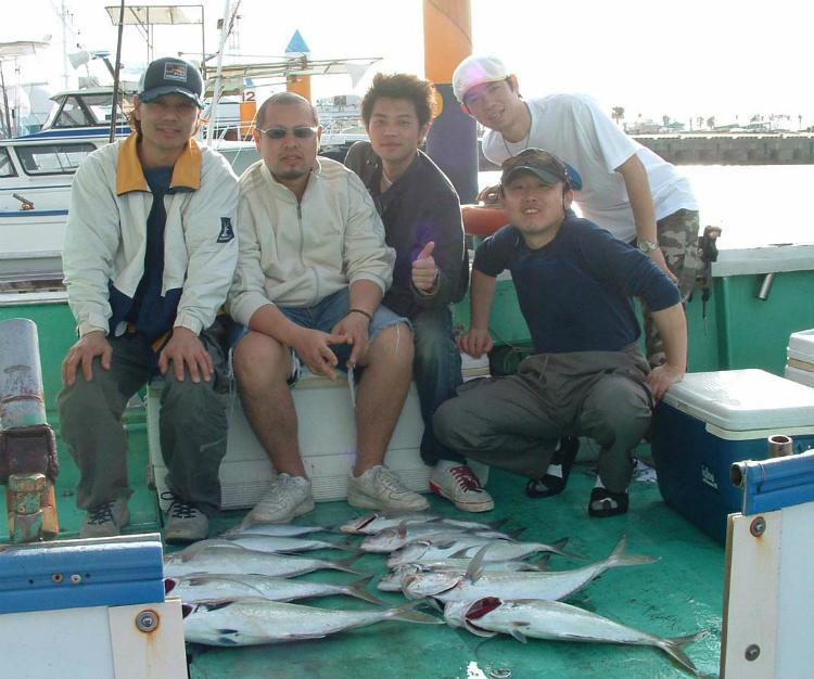 釣りをした皆で記念撮影