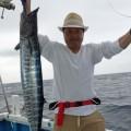 沖縄のトローリングでオキサワラを釣った男性