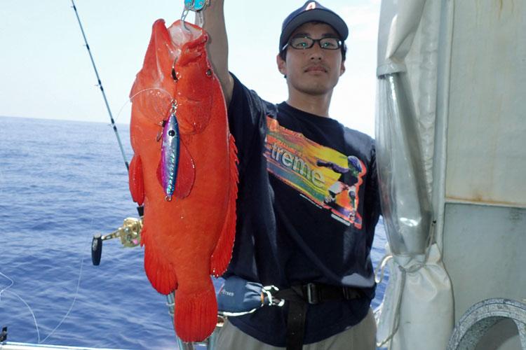 沖縄のジギングで釣れたミーバイ