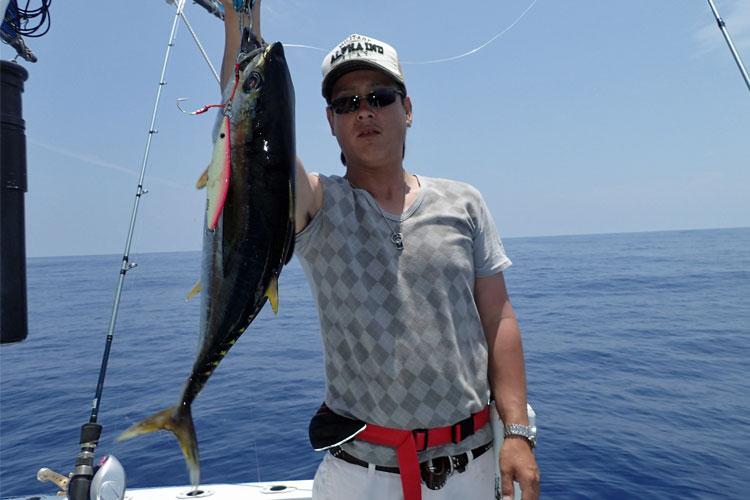沖縄のジギングで釣れたマグロ