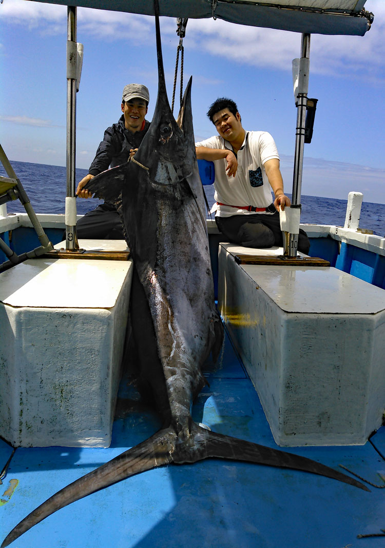 170kgのカジキと釣った兄弟