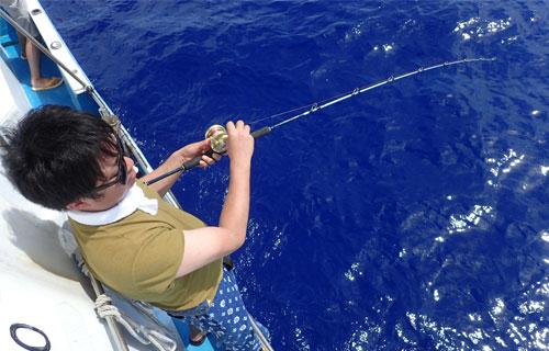 ジギング釣り人、上から撮影