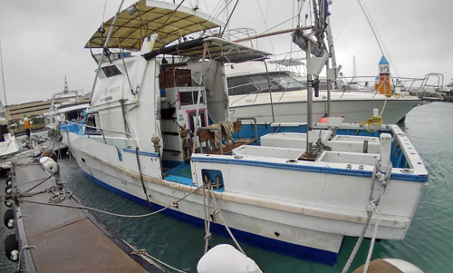 クレーンズ沖縄の船、鶴丸