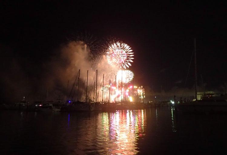 2018年9月16日、沖縄で安室奈美恵の花火大会