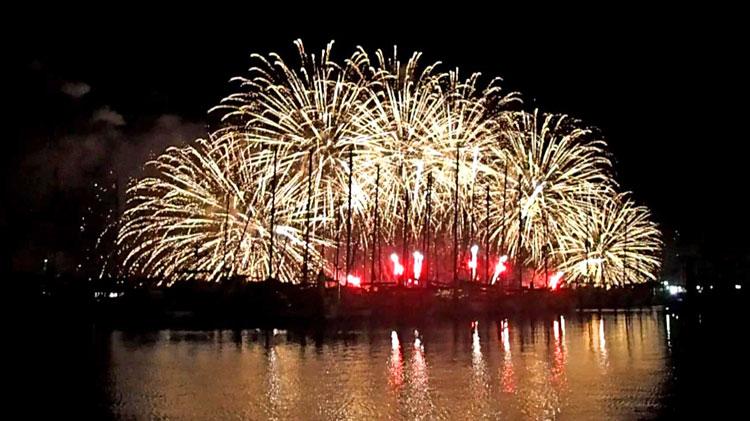 安室奈美恵の沖縄で花火