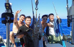 カジキと神奈川県から来た四人の男たち