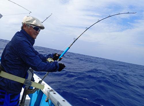 ワフーを釣る父