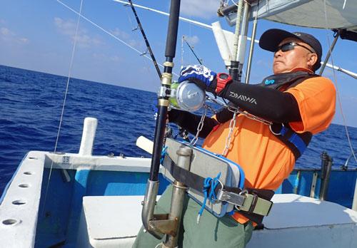 バショウカジキを釣っているアングラー