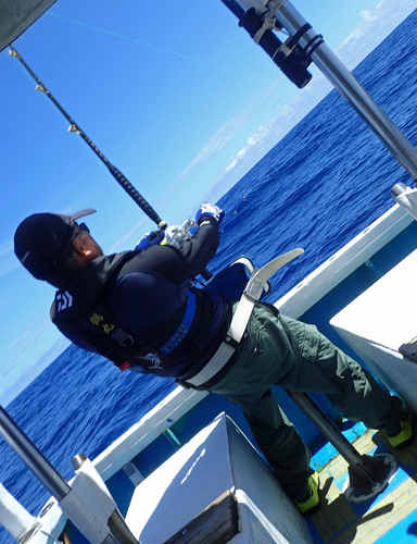 ブルーマーリンを釣っている男