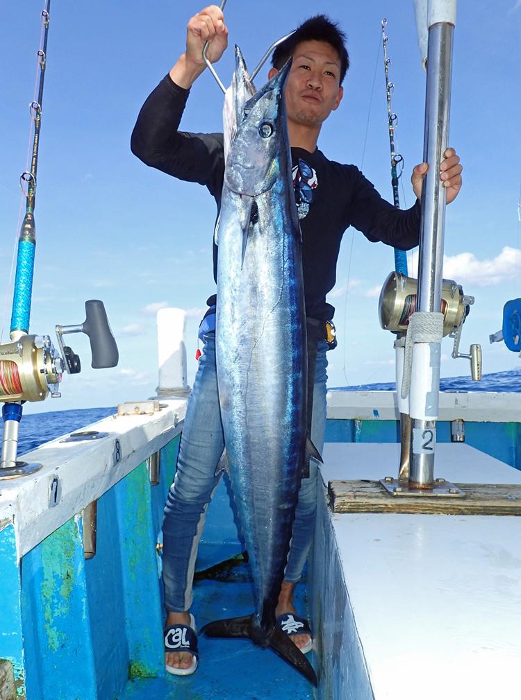 big wahoo fishing in okinawa japan