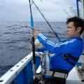 サワラを釣っている男