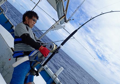120kgのカジキを釣っている香川県から来た男性