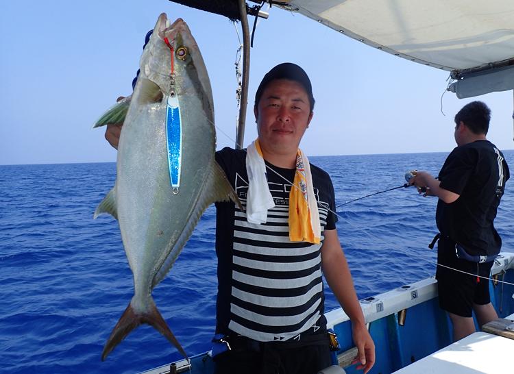沖縄のジギングで釣れたカンパチ