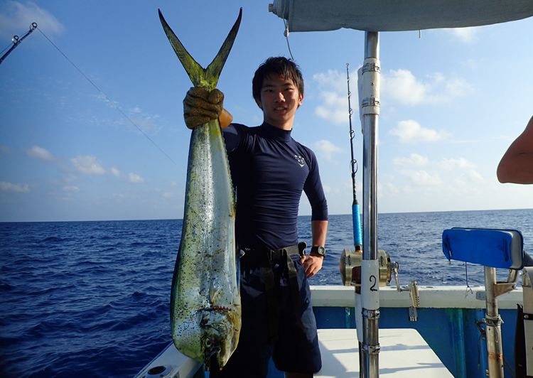 mahimahi fishing in okinawa