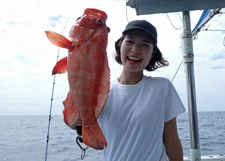 クレーンズ沖縄、鶴丸のタイラバでアザハタ