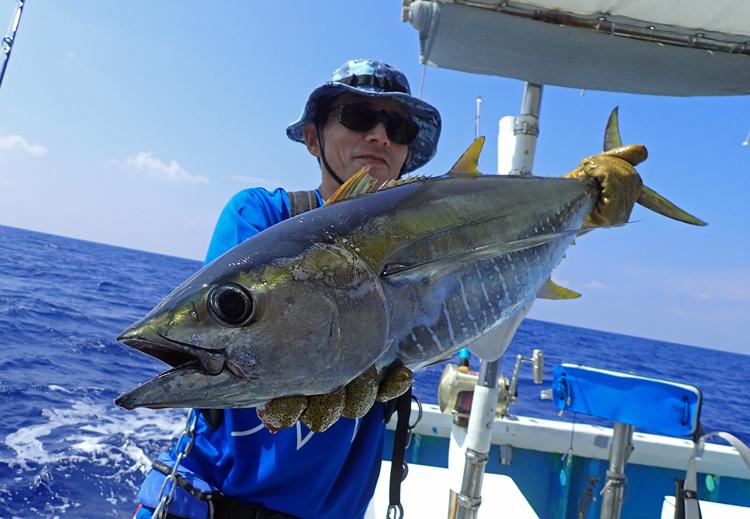 クレーンズ沖縄、鶴丸のトローリングで釣れたマグロ