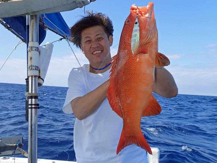 クレーンズ沖縄のジギングで釣れたアカジンミーバイ