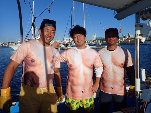 トローリングを楽しみに東京から来た3人の男