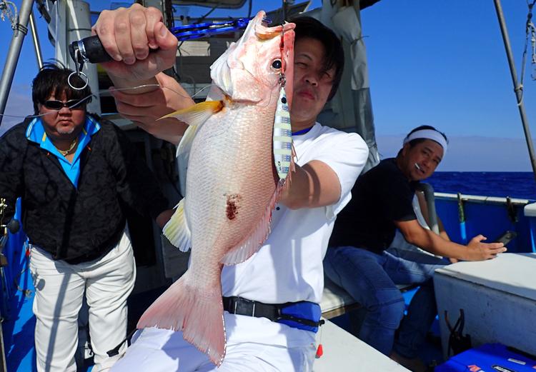 クレーンズ沖縄のジギングで釣れたフエダイの仲間
