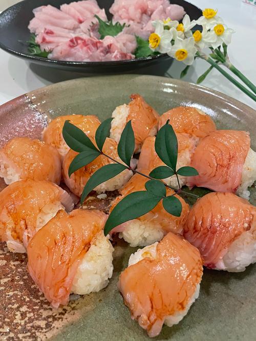 カマスサワラの漬けにぎり寿司、島寿司