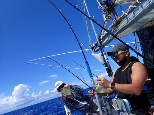 mahimahi fishing in okinawa japan