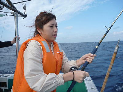 魚を釣っていると女性