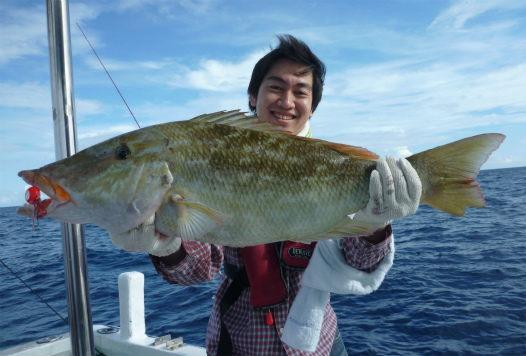 鯛ラバで80cmキツネフエフキ